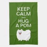 Guarde la calma y abrace un Pom - Pomeranian blanc Toallas De Mano