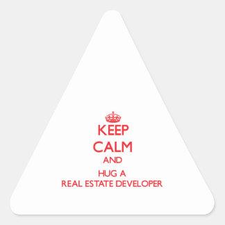Guarde la calma y abrace un promotor inmobiliario pegatina