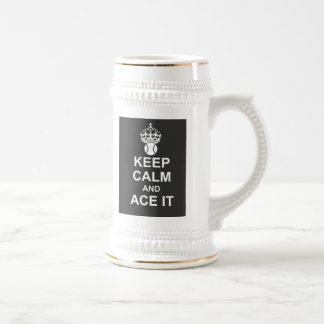 Guarde la calma y Ace la taza en negro