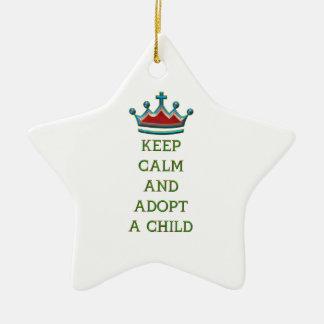 Guarde la calma y adopte a un niño ornamentos de reyes