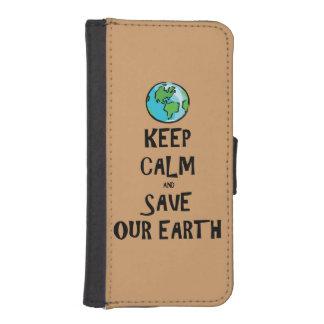 Guarde la calma y ahorre nuestra tierra funda tipo cartera para iPhone 5