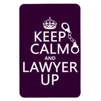Guarde la calma y al abogado para arriba iman de vinilo