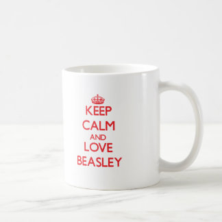 Guarde la calma y ame a Beasley Taza Básica Blanca