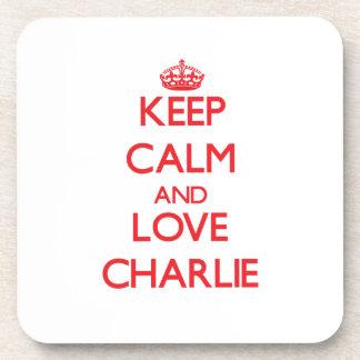 Guarde la calma y ame a Charlie Posavasos