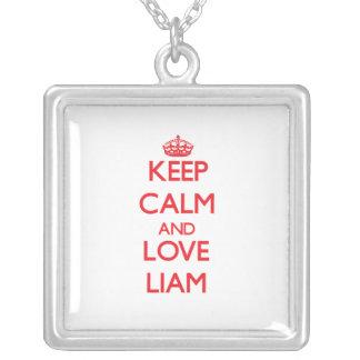 Guarde la calma y ame a Liam Colgantes Personalizados