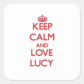 Guarde la calma y ame a Lucy Calcomanías Cuadradass