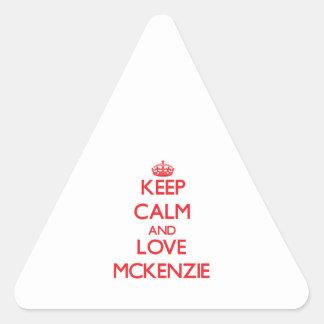Guarde la calma y ame a Mckenzie Pegatina Trianguladas Personalizadas
