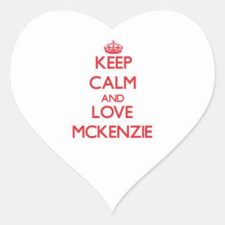 Guarde la calma y ame a Mckenzie Calcomania De Corazon Personalizadas