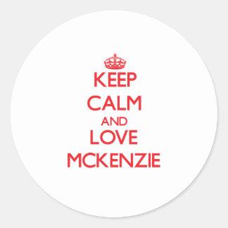 Guarde la calma y ame a Mckenzie Pegatinas Redondas