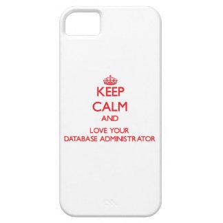 Guarde la calma y ame a su administrador de base iPhone 5 Case-Mate protector