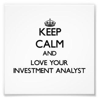 Guarde la calma y ame a su analista de inversión