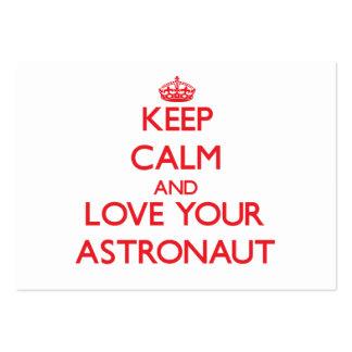 Guarde la calma y ame a su astronauta plantillas de tarjetas personales