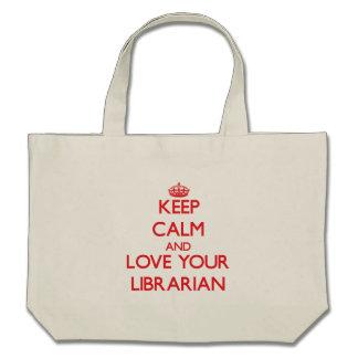 Guarde la calma y ame a su bibliotecario bolsas de mano