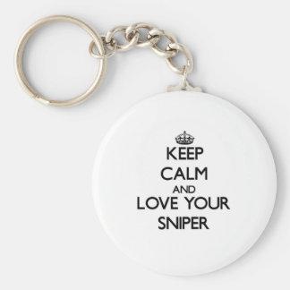 Guarde la calma y ame a su francotirador llavero redondo tipo pin