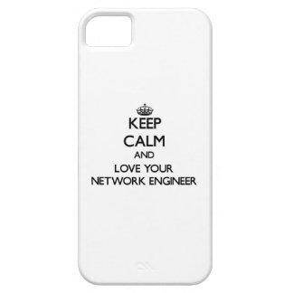Guarde la calma y ame a su ingeniero de la red iPhone 5 Case-Mate protector