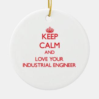 Guarde la calma y ame a su ingeniero industrial ornamento de reyes magos