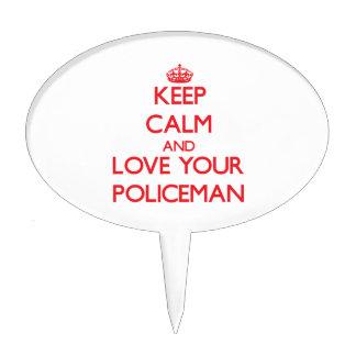 Guarde la calma y ame a su policía
