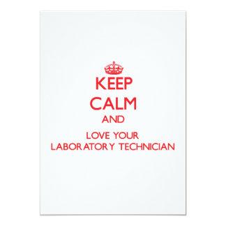 Guarde la calma y ame a su técnico de laboratorio invitación 12,7 x 17,8 cm