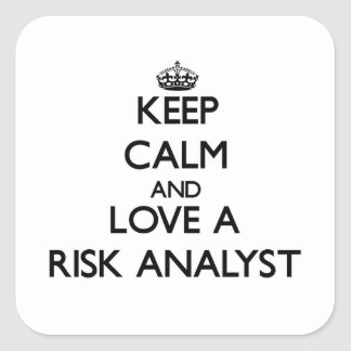Guarde la calma y ame a un analista del riesgo