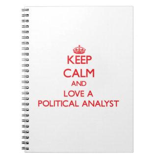 Guarde la calma y ame a un analista político libros de apuntes con espiral