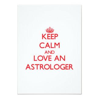 Guarde la calma y ame a un astrólogo invitación 12,7 x 17,8 cm