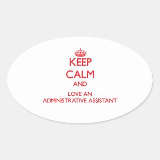 Guarde la calma y ame a un ayudante administrativo pegatina