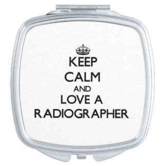 Guarde la calma y ame a un ayudante radiólogo espejos para el bolso