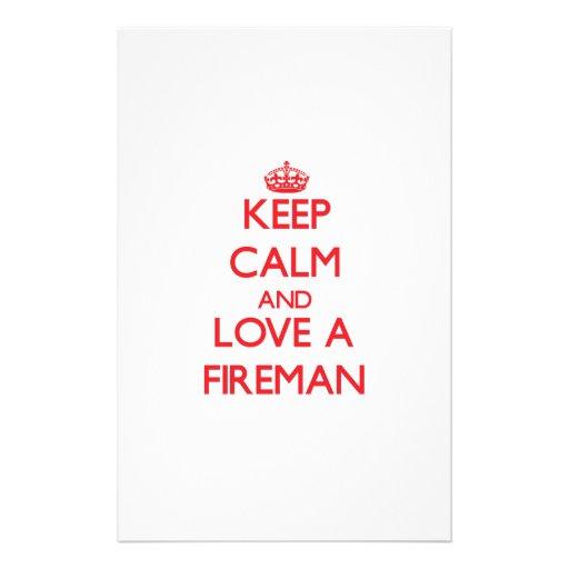 Guarde la calma y ame a un bombero papelería