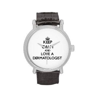 Guarde la calma y ame a un dermatólogo