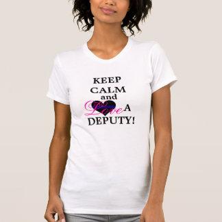 Guarde la calma y ame a un diputado camiseta
