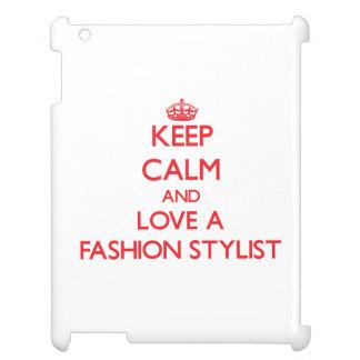 Guarde la calma y ame a un estilista de la moda
