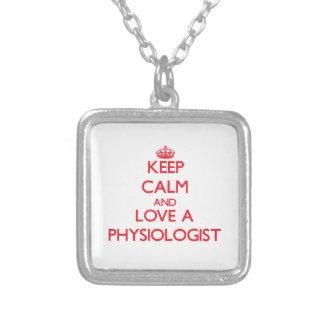 Guarde la calma y ame a un fisiólogo colgante