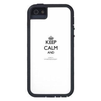 Guarde la calma y ame a un hidrogeólogo iPhone 5 Case-Mate carcasa