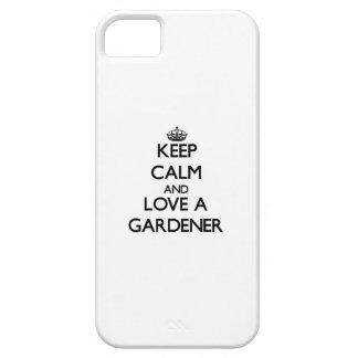 Guarde la calma y ame a un jardinero iPhone 5 fundas