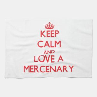 Guarde la calma y ame a un mercenario toalla de cocina