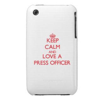 Guarde la calma y ame a un oficial de la prensa Case-Mate iPhone 3 protector