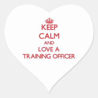 Guarde la calma y ame a un oficial del entrenamien colcomanias de corazon personalizadas