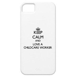 Guarde la calma y ame a un trabajador del cuidado iPhone 5 carcasa