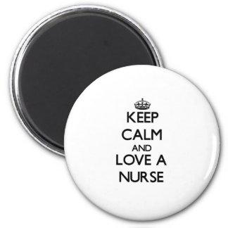 Guarde la calma y ame a una enfermera imán redondo 5 cm