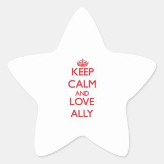 Guarde la calma y ame al aliado pegatina en forma de estrella