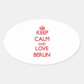 Guarde la calma y ame Berlín Pegatina Ovalada