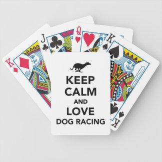 Guarde la calma y ame competir con de perro barajas de cartas