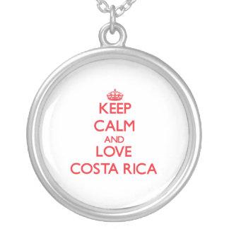 Guarde la calma y ame Costa Rica Colgante
