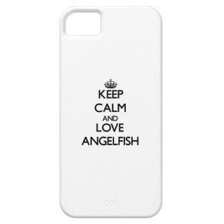 Guarde la calma y ame el Angelfish iPhone 5 Case-Mate Carcasa