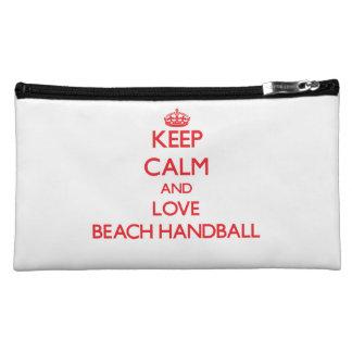 Guarde la calma y ame el balonmano de la playa