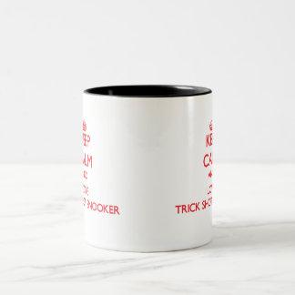 Guarde la calma y ame el billar del tiro del truco tazas de café
