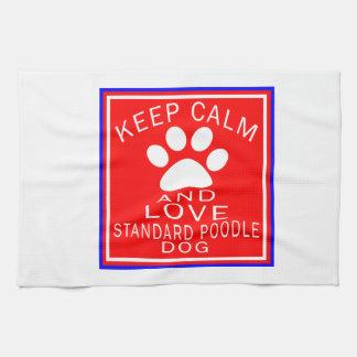 Guarde la calma y ame el caniche estándar