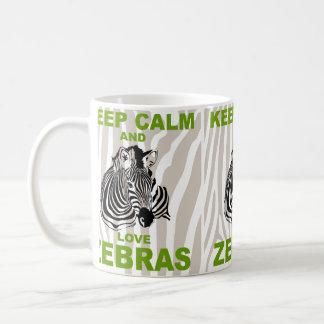 Guarde la calma y ame el diseño único de las cebra tazas