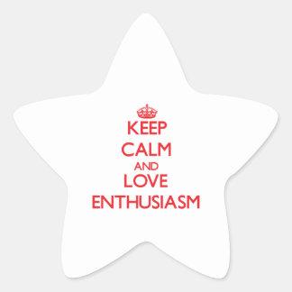 Guarde la calma y ame el entusiasmo calcomanía cuadrada