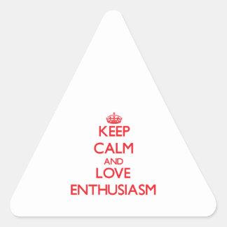 Guarde la calma y ame el entusiasmo calcomanías trianguloes